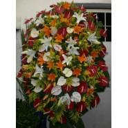 Coroa de Condolências com flores nobres