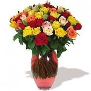 Arranjo com rosas multicolor